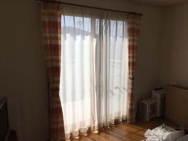 子ども部屋のレースカーテン