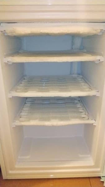 アイリスオーヤマの冷凍庫を4ヶ月使ったときの霜の状態