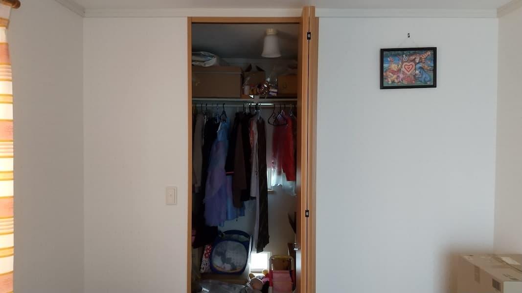 子ども部屋のウォークインクローゼットの入り口