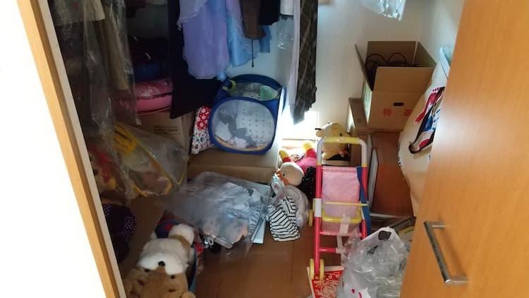 子ども部屋のウォークインクローゼットの床